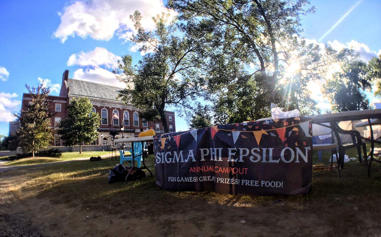 Sigma Phi Epsilon Banner and Table